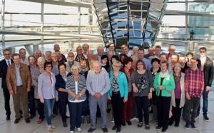 Wilfried Oellers (l.) empfing ehrenamtliche Helfer der Tafeln aus dem Kreis Heinsberg im Bundestag in Berlin. FOTO: RP