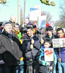 Auch Erkelenzer Bürgermeister zeigte Flagge gegen rechts. / Foto: hewi