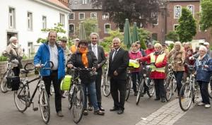 Wahlkampftour der CDU Wegberg mit Dr. Ferdinand Schmitz (vorne, v.l.) Sabine Verheyen, Wilfried Oellers und Reinhold Pillich. FOTO: Renate Resch-Rüffer